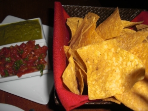 chips with dos salsas