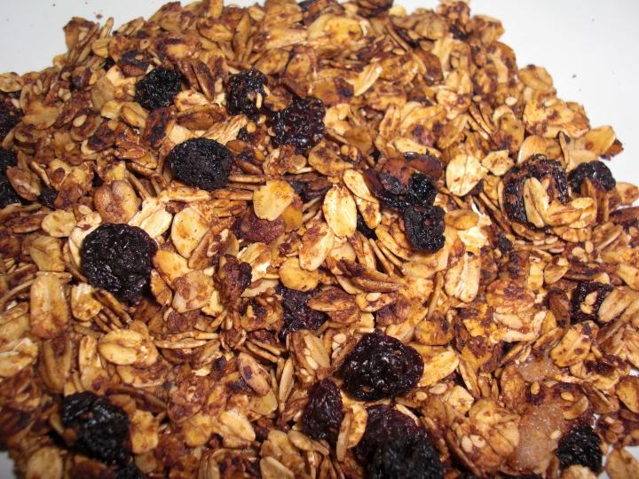 Healthier Cinnamon Raisin Granola