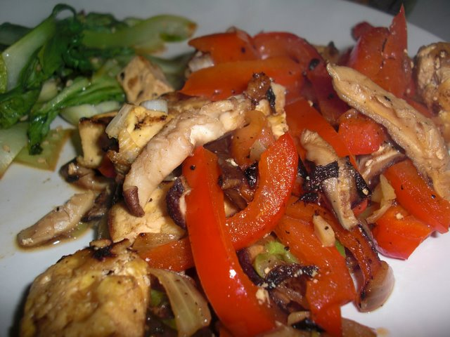 Red Pepper, Shitake Mushroom and Tofu Stirfry