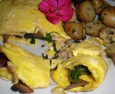 Spinach, mushroom, fontina omelet