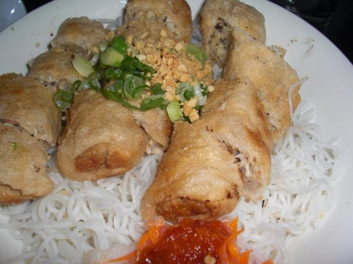 crispy vegetarian spring roll vermacelli