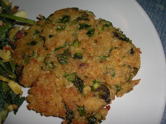 Little Quinoa Patties | Veggicurious